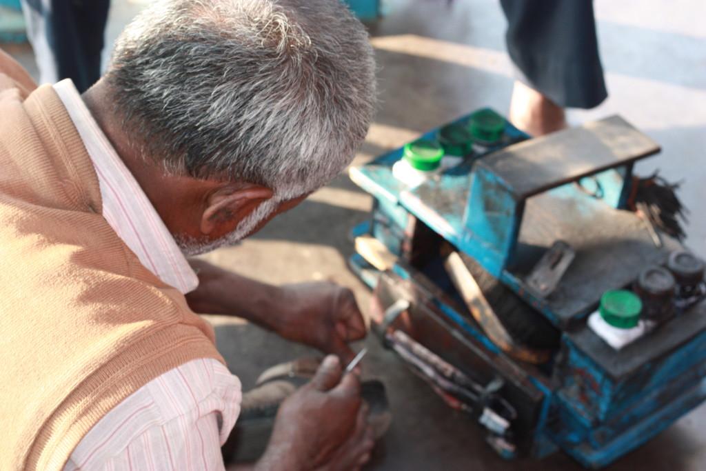 Shoeshine on the Ganges in Kolkotta