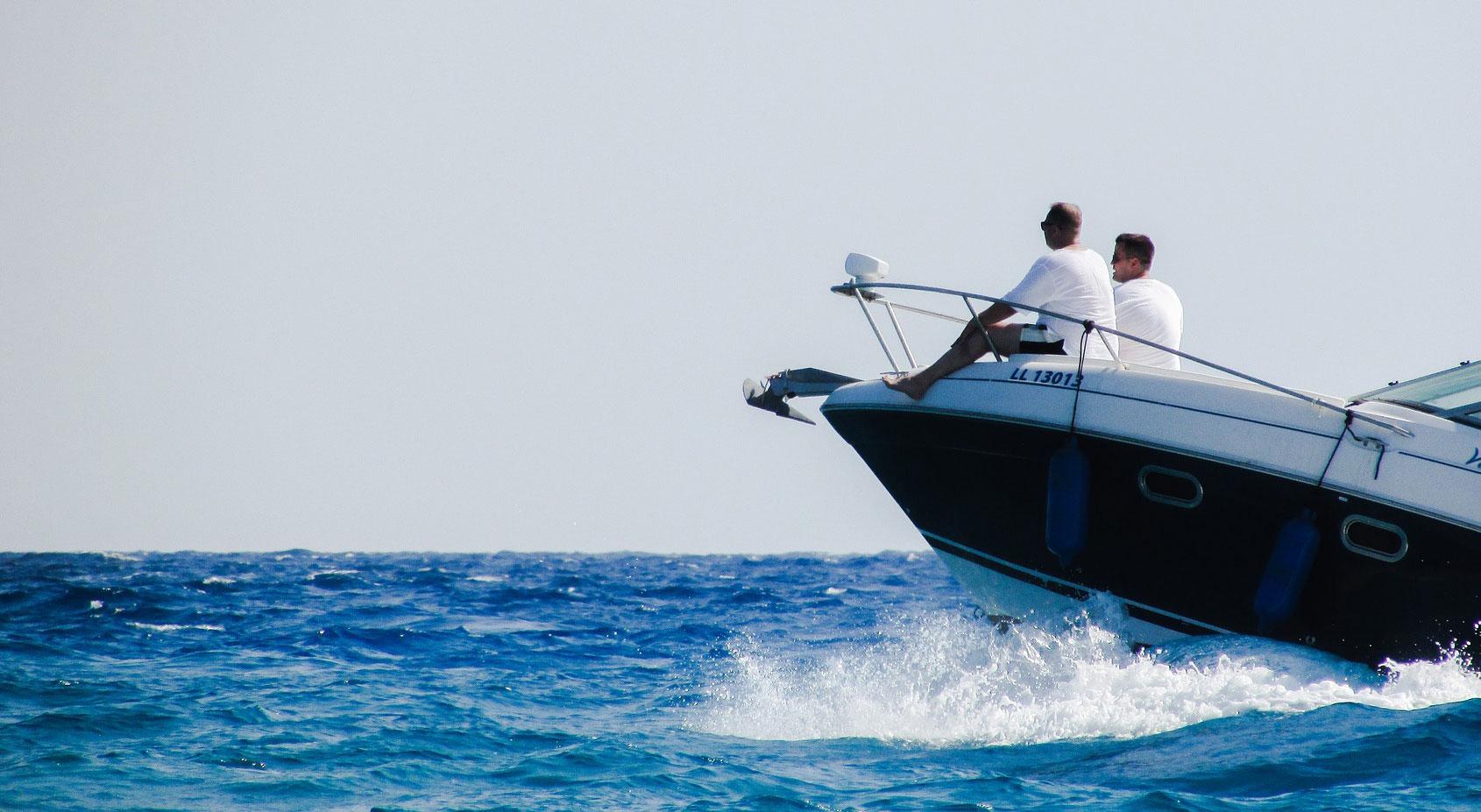 selling marketing boats